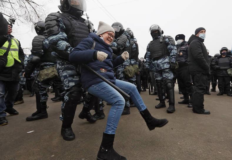 Задержание участников акции в Волгограде