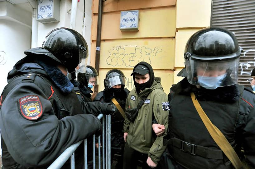 Задержание участника акции протеста в Ростове-на-Дону