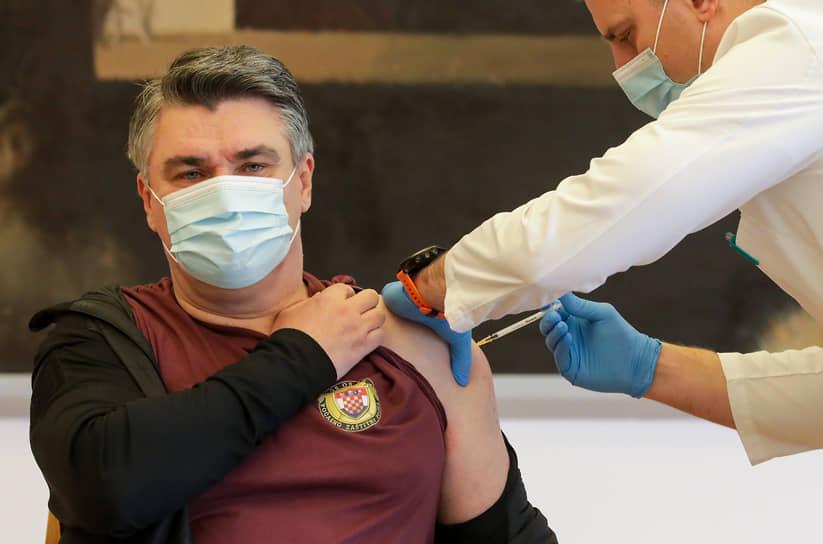 7 января президент Хорватии Зоран Миланович публично привился от новой коронавирусной инфекции препаратом Pfizer/BioNTech. «Вакцина — это поворотный момент в борьбе с пандемией коронавируса», — сказал он в эфире хорватского телевидения