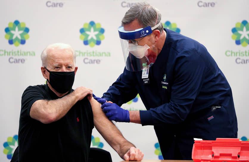 21 декабря 2020 года президент США Джо Байден в эфире американских телеканалов получил первую дозу прививки от коронавируса производства Pfizer/BioNTech