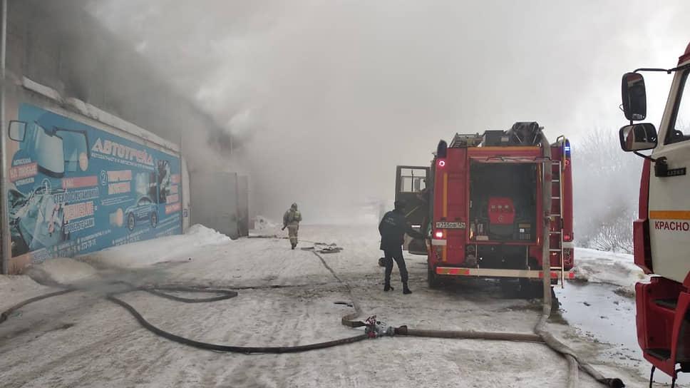 Пожар на складе в Красноярске