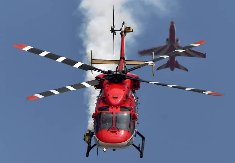 Бангалор, Индия. Выступление индийских ВВС на авиашоу