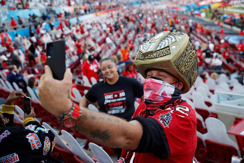 Из-за коронавирусных ограничений стадион Raymond James Stadium в Тампе был заполнен только на 30% — на матче присутствовали 22 тыс. человек