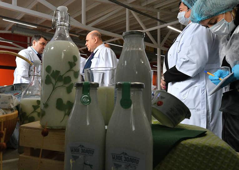 Республика Адыгея, Россия. Премьер-министр Михаил Мишустин во время посещения молочного завода «Тамбовский»