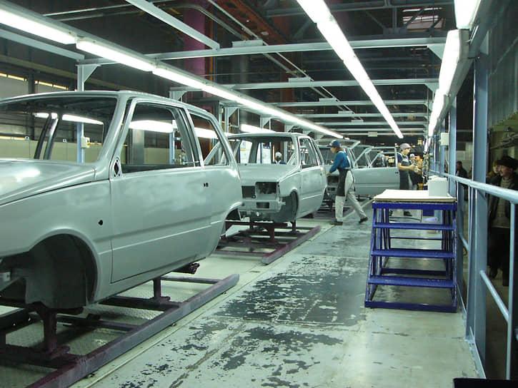В 1987 году предприятие также начало выпускать малолитражные легковые автомобили — ВАЗ-1111 «Ока». Этот проект был позже продан компании «Северсталь-авто» (ныне Sollers)