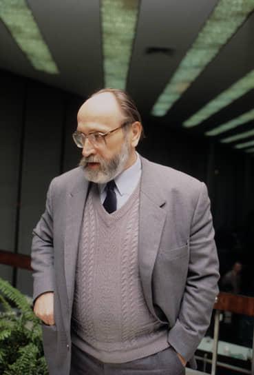 Юрий Власов умер 13 февраля 2021 года. Церемония прощания запланирована на 16 февраля в храме Боткинской больницы в Москве
