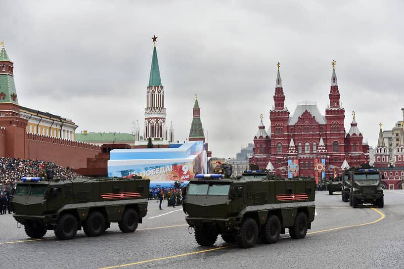 Также завод выпускает шасси для военных автомобилей, бронемашины БМП-97 «Вымпел» и «Тайфун-К»