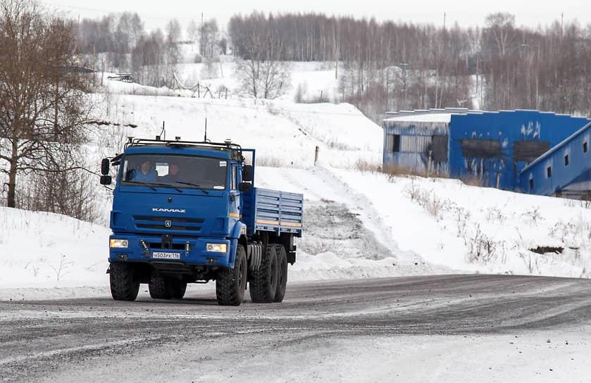 В июне 2015 года КамАЗ приступил к первым тестовым испытаниям беспилотного грузовика (на фото). От стандартной модификации модель отличается дополнительным оборудованием: радары, оптический сенсор, видеокамеры, системы связи и прочая бортовая электроника