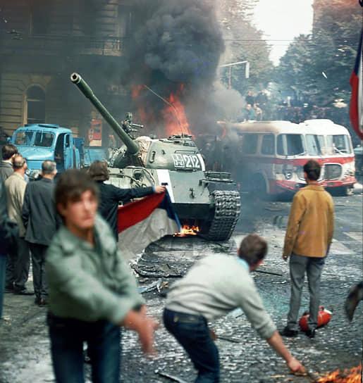 Ввод войск стран Варшавского договора в Чехословакию в 1968 году обогатил лексикон албанских пропагандистов термином «социал-империализм»