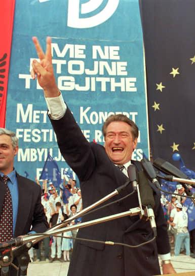 СалиБериша, первый некоммунистический президент Албании
