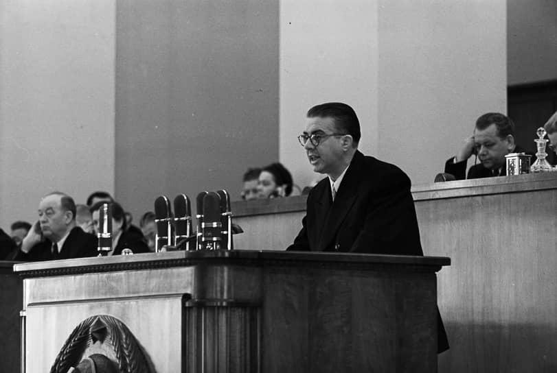 Энвер Ходжа наXXсъезде КПСС. В советско-албанских отношениях начал намечаться раскол