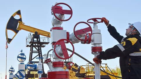Минфин повременит с демпфером // Министерство готово пойти навстречу нефтяникам только с 2024 года