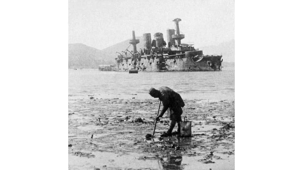 «Что и говорить, на славу начали войну!» (на фото — поврежденный японцами эскадренный броненосец «Пересвет»)