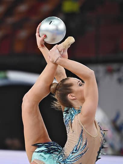 Виктория Богданова с мячом