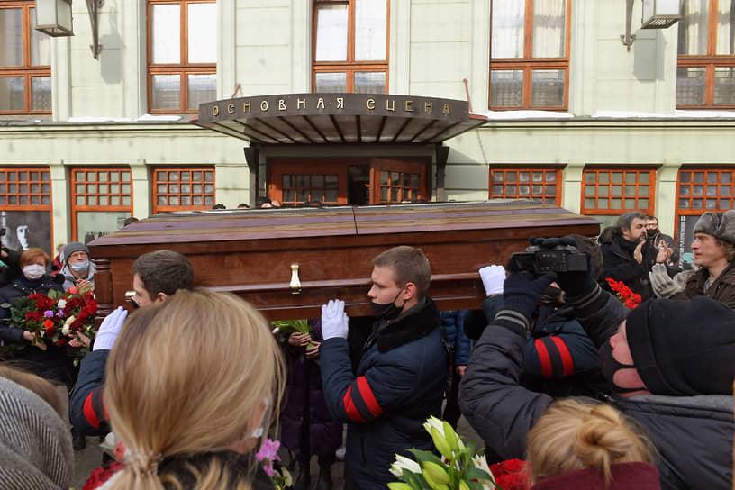 Андрей Мягков будет похоронен на Троекуровском кладбище Москвы