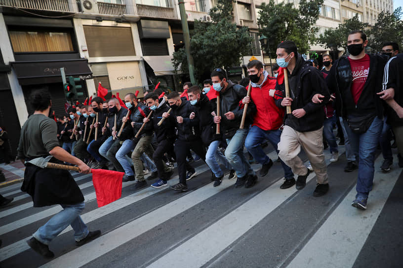 Афины, Греция. Студенты на демонстрации против нового закона об образовании