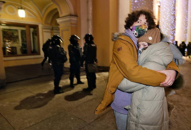 2 февраля. Москва. Участники акции в поддержку оппозиционера Алексея Навального