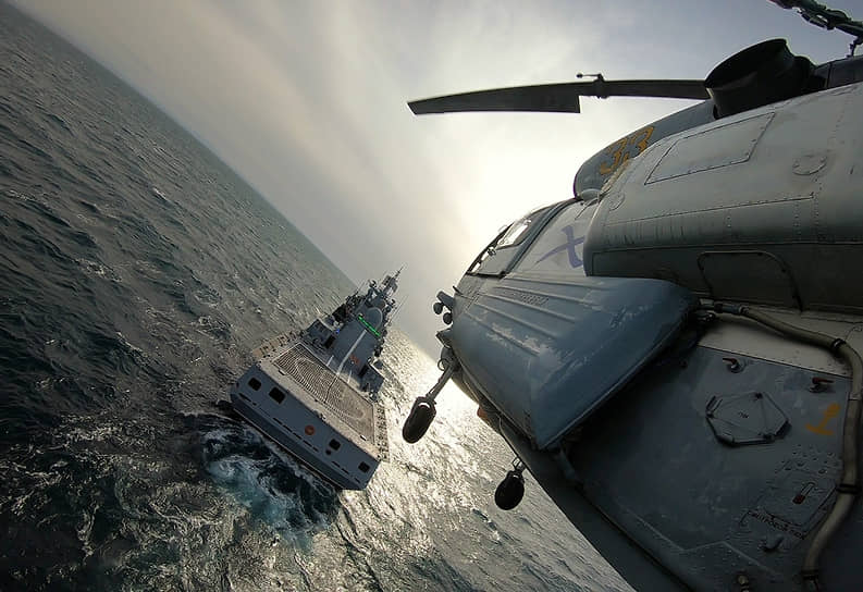 11 февраля. Черное море. Фрегат «Адмирал Макаров» во время учений Черноморского флота