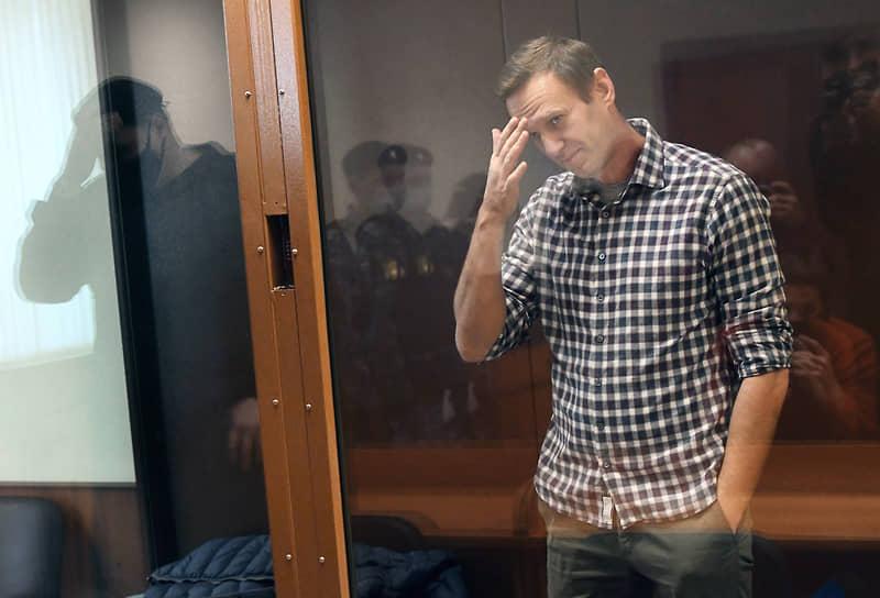 20 февраля. Москва. Оппозиционер Алексей Навальный во время рассмотрения апелляционной жалобы на постановление суда о замене ему условного срока на реальный