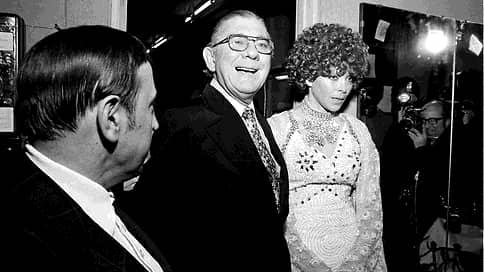 Стриптизерша и конгрессмен / Скончалась героиня первого громкого секс-скандала США