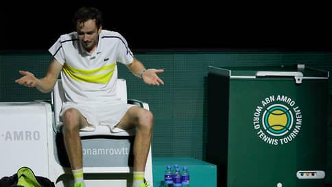 Даниил Медведев отложил рокировку  / Теннисист может стать вторым в мире не 8-го, а 15 марта