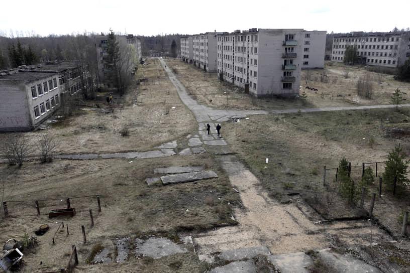 Оставленный военный городок при заброшенной советской радиолокационной станции недалеко от города Скрунда (Латвия)