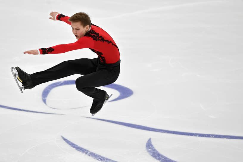 Михаил Коляда перешел в группу Алексея Мишина в 2020 году. Он серебряный призер Олимпийских игр 2018 года в командном соревновании. Бронзовый призер чемпионата мира (2018), двукратный бронзовый призер чемпионата Европы (2017 и 2018)