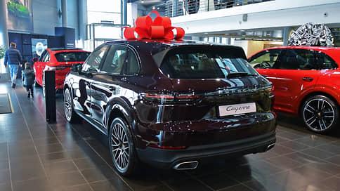Авторынок в феврале показал скромный рост // Продажи машин увеличились на 0,8%