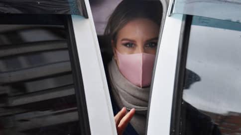Любовь Соболь не отделается испугом / Суд по уголовному делу о ее вторжении в чужое жилье начнется 10 марта