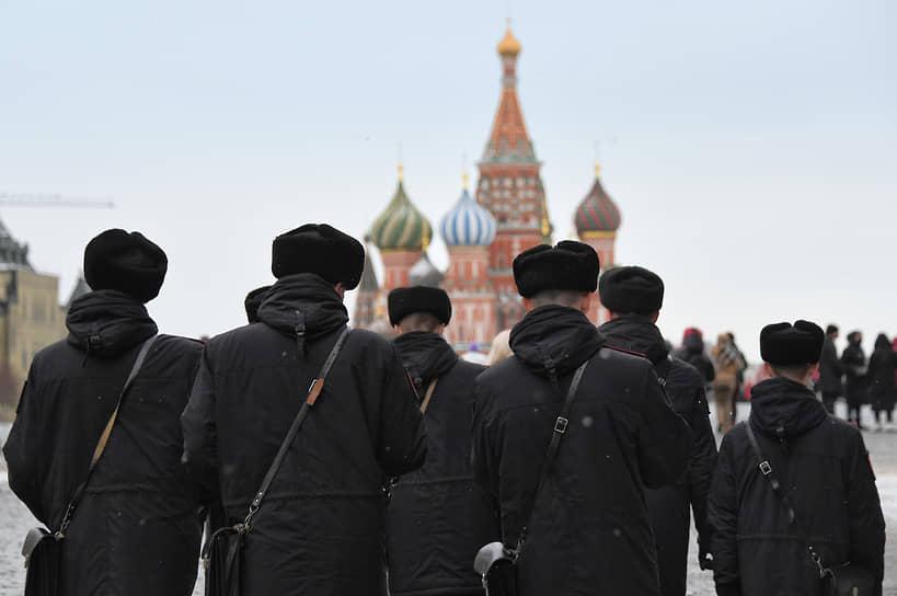 Москва. Сотрудники полиции на Красной площади