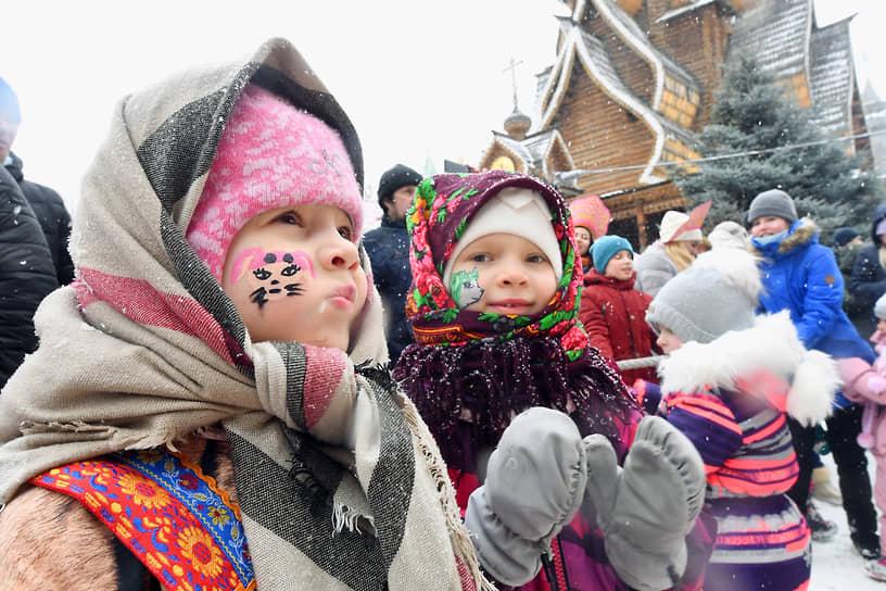Дети на праздновании Масленицы в Измайловском Кремле