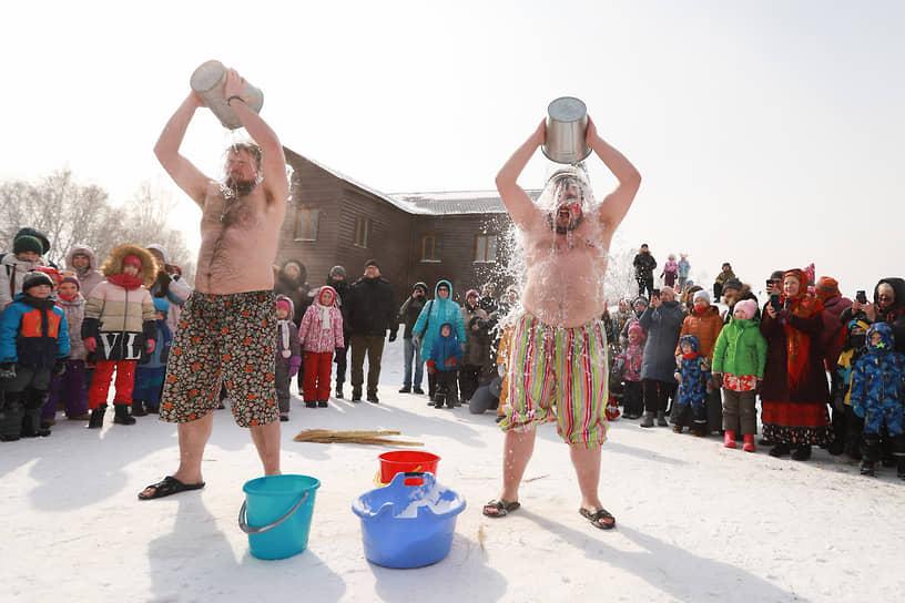 Празднование Масленицы в Новосибирске