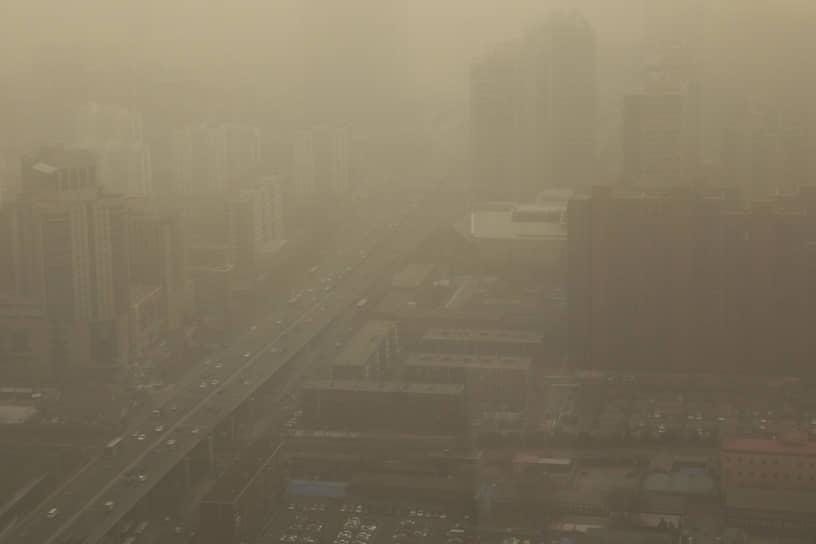 Помимо Пекина, буря затронула север и северо-запад Китая, а также Монголию, где из-за нее погибли 6 человек. Заявлялось о сотнях пропавших без вести