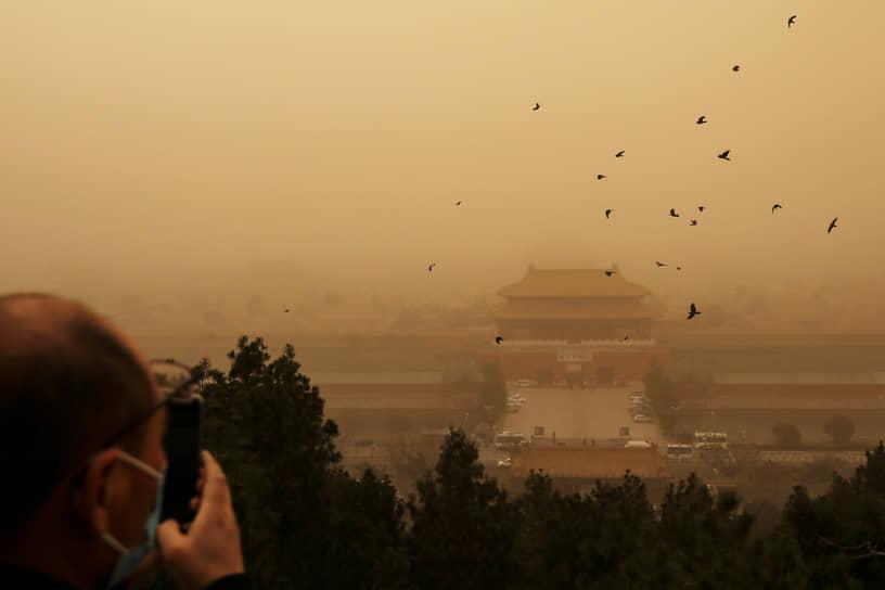 Вид на дворцовый комплекс Запретный город в Пекине
