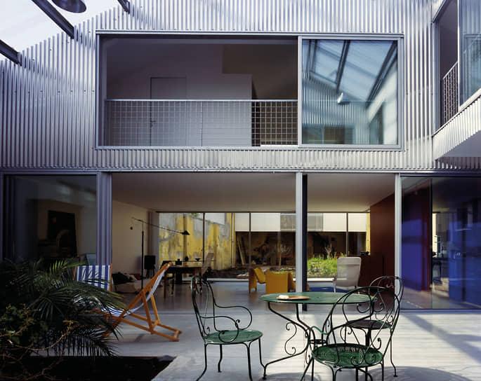 Жан-Филипп Вассаль является заместителем профессора в Берлинском университете<br> На фото: жилой дом в Бордо