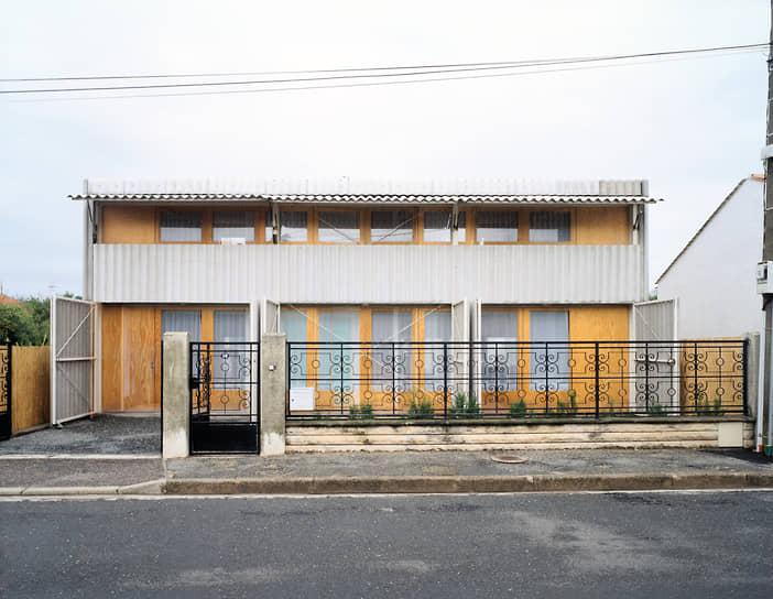 Архитекторы Анна Лакатон и Жан-Филипп Вассаль познакомились в 1970-х во время учебы в Национальной школе архитектуры и ландшафтного дизайна Бордо<br> На фото: жилой дом Лятапи во французском городе Флуарак