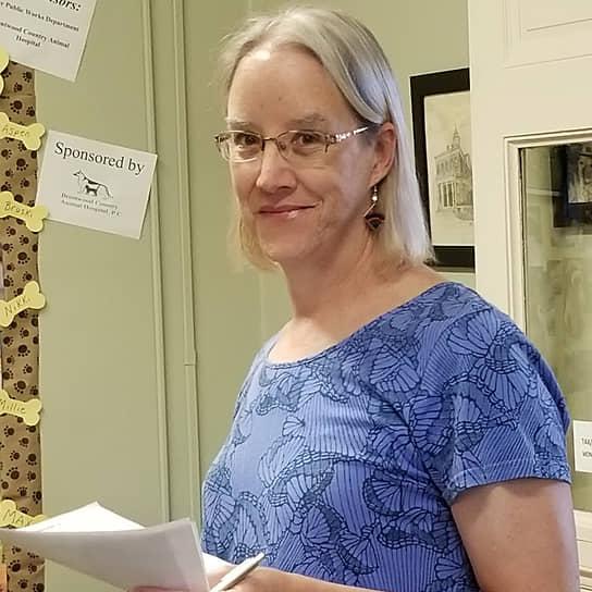 <b> Лайза Бункер</b>, США<br> Детская писательница, активистка. В 2020 году была переизбрана в Палату представителей штата Нью-Гемпшир. Ранее более 30 лет проработала на коммерческом телевидении, где рассказывала о жизни ЛГБТ-сообщества