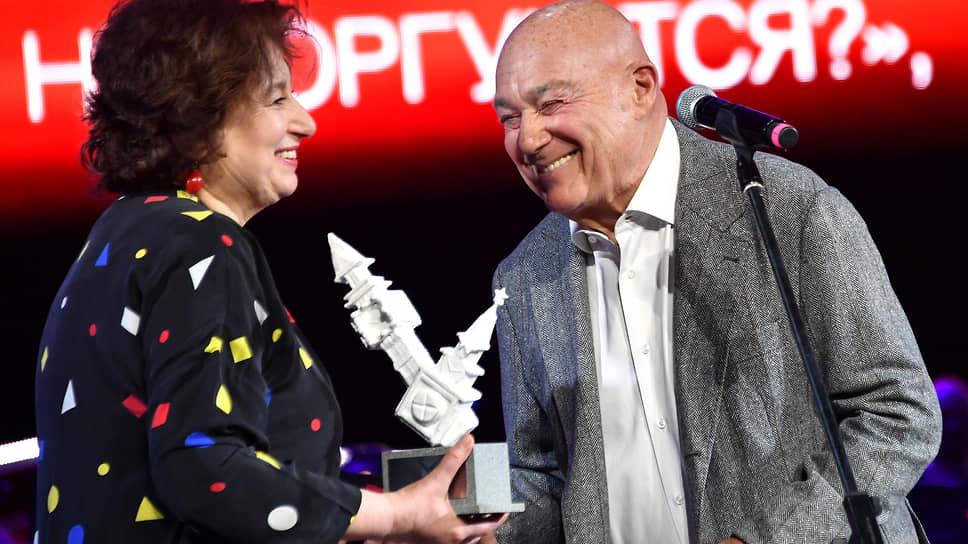 Писательница Наталия Семенова и телеведущий Владимир Познер