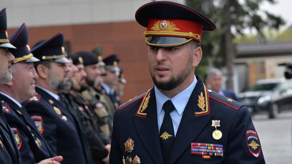 Начальника полиции Чечни уволили с заместителем прокурора Подмосковья