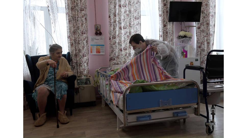 Пациентка в доме милосердия Лобова