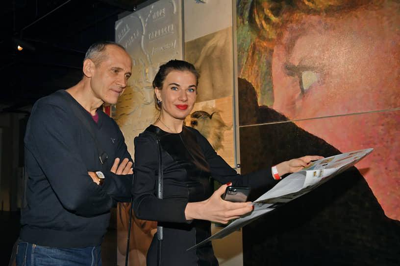 Психотерапевт Борис Акимов на церемонии открытия выставки «Следуя мечте»