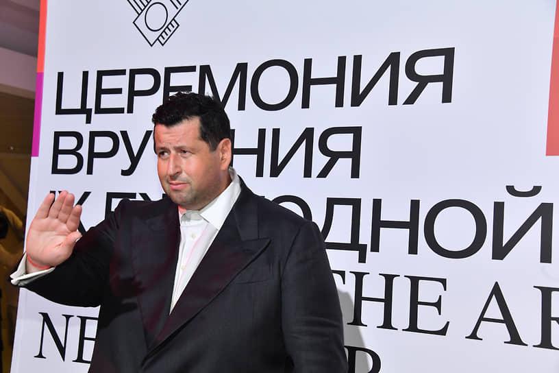 Предприниматель и сооснователь благотворительного фонда «Друзья» Ян Яновский на церемонии вручения IX Ежегодной премии The Art Newspaper Russia