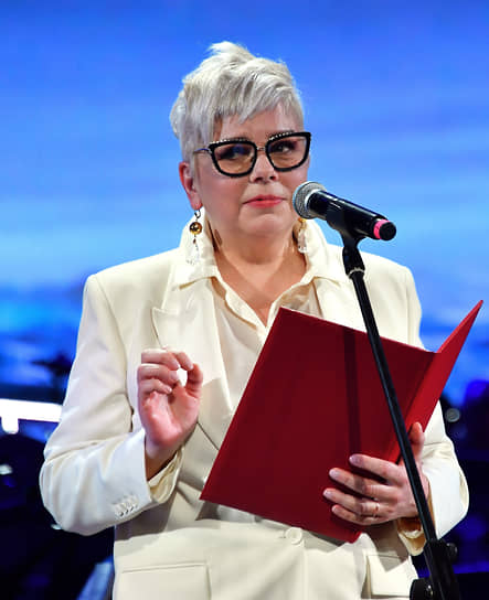 Главный редактор The Art Newspaper Russia Милена Орлова во время церемонии вручения ежегодной премии издания в выставочном зале «Манеж»