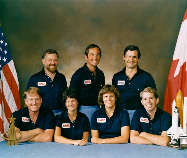 <b>Марк Гарно (верхний ряд, справа), Канада</b><br> 5 ноября 1984 года отправился в первый полет на шаттле «Челленджер» по программе STS-41G в качестве специалиста по полезной нагрузке. Всего побывал в космосе трижды. Впоследствии занимался политикой, в 2015—2021 годах являлся Министром транспорта Канады, с 2021 года возглавляет МИД страны