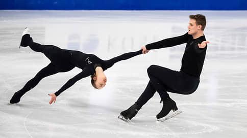 Александра Бойкова и Дмитрий Козловский накатали лидерство  / Они занимают первое место после короткой программы на чемпионате мира по фигурному катанию
