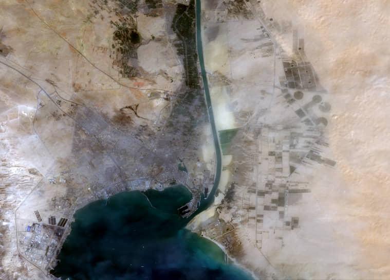 24 марта был организован пропуск судов в южном направлении (из Средиземного моря в Красное) по старому руслу Суэцкого канала