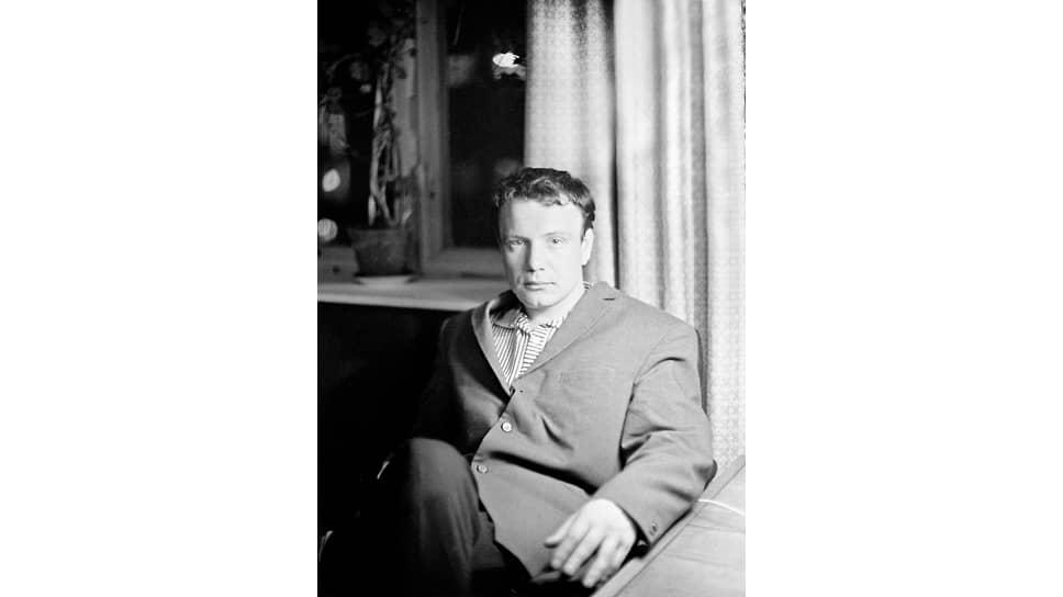 «Вернувшись в Москву после освобождения из заключения, БУКОВСКИЙ в 1970–1971гг. систематически встречался с иностранцами»