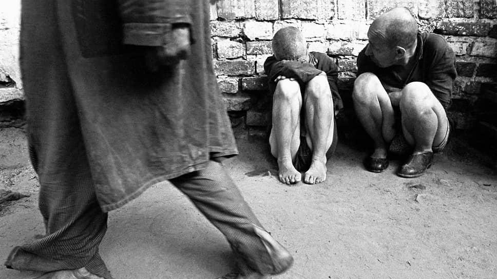 «Еще со мной в камере находился действительно душевнобольной, убивший своих детей, отрезавший себе уши и съевший их»