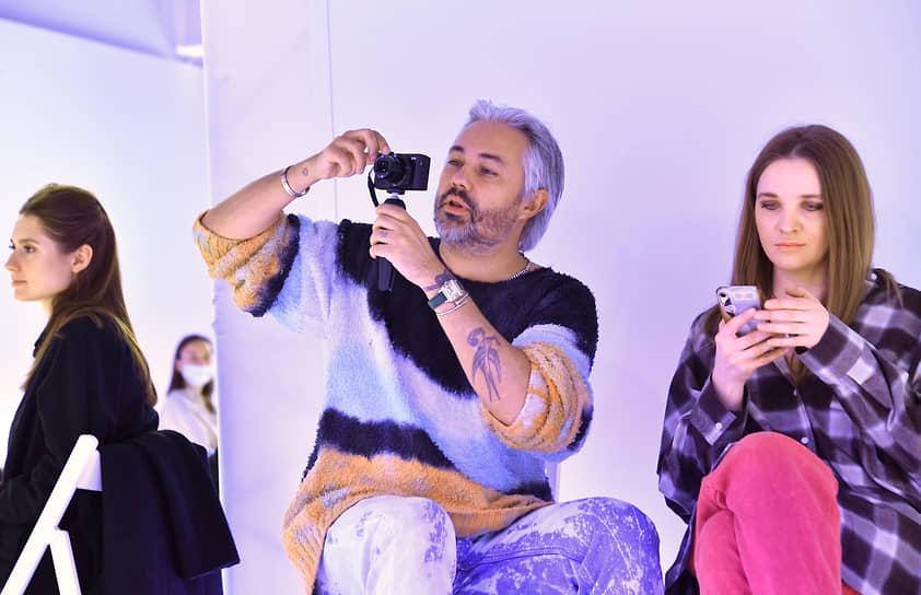 Стилист Александр Рогов во время показа TSUM fasion show SS21 в ЦУМе