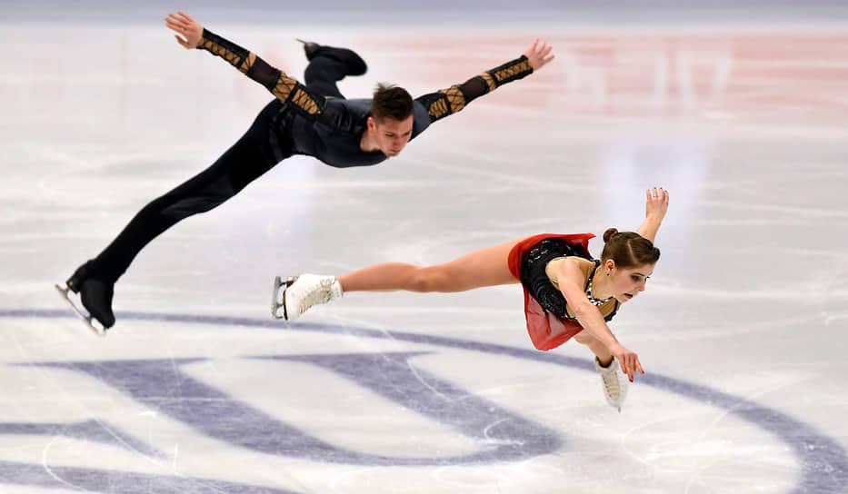 Анастасия Мишина и Александр Галлямов во время выступления